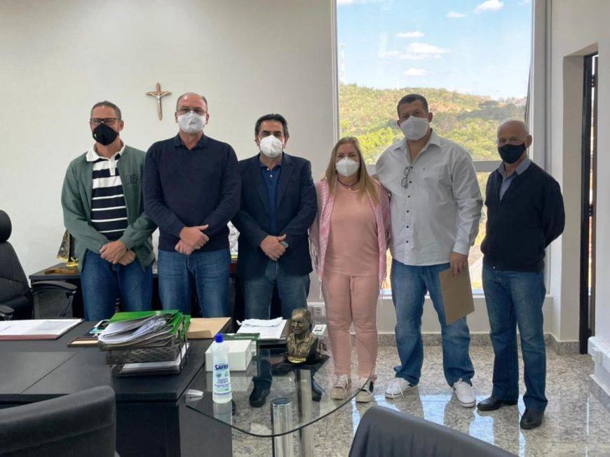 Domingos Sávio visita Itauna e anuncia recursos